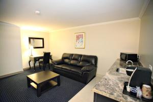 Montecassino Hotel & Suites.  Photo 17