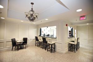 Montecassino Hotel & Suites.  Photo 6