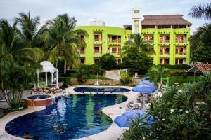 Hotel & Suites Punta Esmeralda