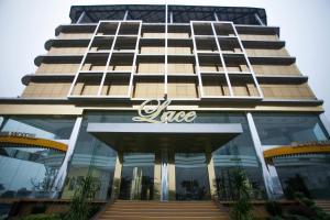 Lace Boutique Hotel - Kangkar Teberau
