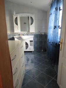 Apartments Volarić, Apartmanok  Sutomore - big - 52