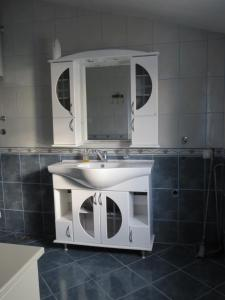 Apartments Volarić, Apartmanok  Sutomore - big - 57