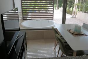 Bahia Principe Vacation Rentals - Quetzal - One-Bedroom Apartments, Apartmány  Akumal - big - 14