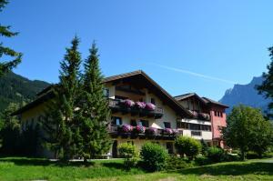 Landhaus Gerber - Hotel - Lermoos