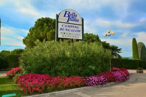 Camping Bella Italia, Комплексы для отдыха с коттеджами/бунгало  Пескьера-дель-Гарда - big - 98