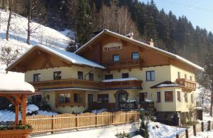 Pension Appartements Reithof - Hotel - St Johann im Pongau