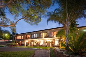 Miles B&B Guest House, Bed & Breakfasts  Oudtshoorn - big - 1