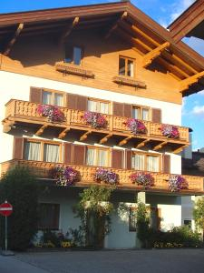 Pension Eppensteiner - Hotel - St Johann in Tirol