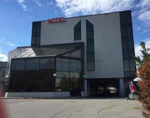 Montecassino Hotel & Suites.  Photo 1