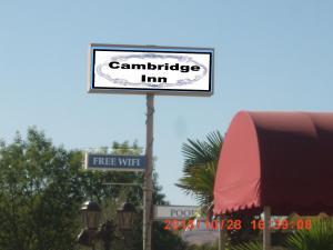 . Cambridge Inn Motor Lodge