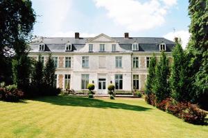 Location gîte, chambres d'hotes Chambres d'hôtes Château de Courcelette dans le département Nord 59