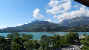 Location gîte, chambres d'hotes Hôtel les Chaumettes dans le département Hautes alpes 5