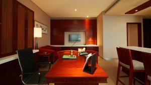 Ramada Plaza by Wyndham Shanghai Caohejing Hotel, Hotel  Shanghai - big - 28