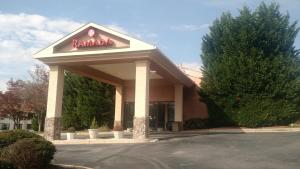 Ramada by Wyndham Asheville Southeast, Hotels  Asheville - big - 21