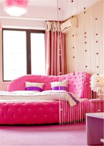 Sweet House Theme Apartment(Da Lian Yi Feng New Town Apartment Branch), Apartmanok  Csincsou - big - 14