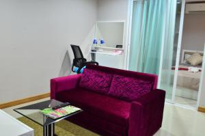 Pansook The Urban Condo, Apartmanok  Csiangmaj - big - 24