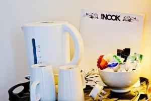 Rooms @The Nook Cocktail Bar, Fogadók  Weymouth - big - 5