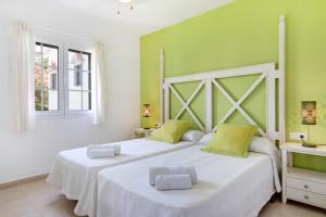 Two-Bedroom Apartment Son Bou Playa Gold
