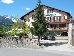 Hotel Ristorante Miravalle - Teglio