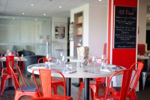 Brit Hotel Toulouse Colomiers – L'Esplanade, Hotely  Colomiers - big - 38
