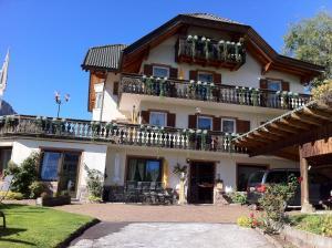 Miraortisei Apartments Alessandra - AbcAlberghi.com