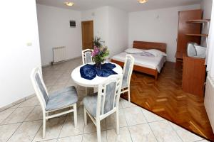Apartments in Beautiful Split, Apartments  Podstrana - big - 18
