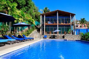 Kayu Resort & Restaurant, Hotels - El Sunzal