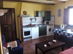 Apartamentos Rurales Casa Pachona, Ferienwohnungen  Puerto de Vega - big - 5
