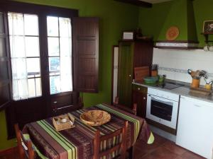 Apartamentos Rurales Casa Pachona, Ferienwohnungen  Puerto de Vega - big - 49
