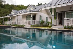Suksompong Resort - Kapong