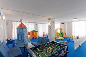 Hotel Victoria, Отели  Бибионе - big - 17