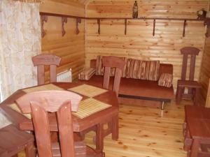 Дом на Луговой , Дома для отпуска  Новоабзаково - big - 96