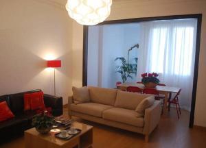 Apartment Next to La Pedrera