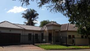 Eagle Rock Executive Guest House - Kempton Park