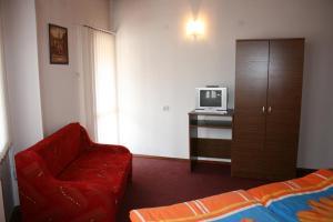 Aseva House Family Hotel