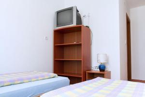 Apartments Villa Supertom, Ferienwohnungen  Povljana - big - 8