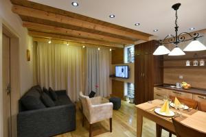 Villa Natural Wood, Ferienwohnungen  Zlatibor - big - 44