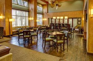 Hampton Inn & Suites Destin Sandestin Area, Hotels  Destin - big - 22