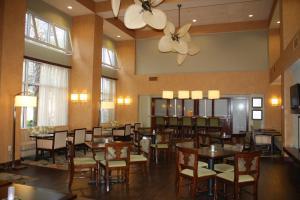 Hampton Inn & Suites Destin Sandestin Area, Hotels  Destin - big - 19