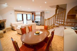 Apartments Cokla