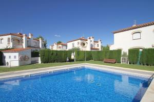 ARENDA Pino Alto Holiday Home Masia 1