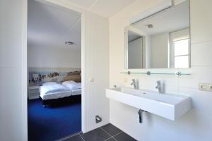 Buitenplaats Witte Raaf aan Zee, Villas  Noordwijk - big - 57