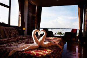 Marina de Bay Hotel Restaurant and Spa - Banaag