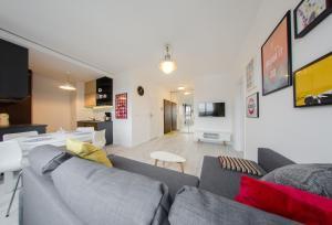 3 City Apartments - White 2