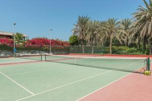 Coral Beach Resort Sharjah, Курортные отели  Шарджа - big - 32