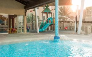 Coral Beach Resort Sharjah, Курортные отели  Шарджа - big - 16
