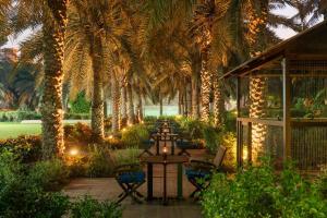 Coral Beach Resort Sharjah, Курортные отели  Шарджа - big - 28