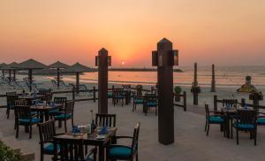 Coral Beach Resort Sharjah, Курортные отели  Шарджа - big - 29