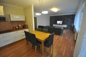 Apartment Jeseniova 90m2 with Garage - Praga