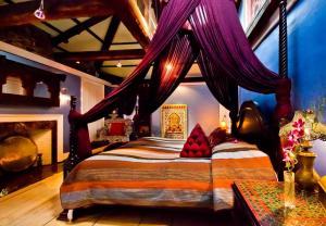 Moroccan Luxury Suites - Accommodation - Boston